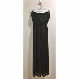 love on a hanger Dresses & Skirts - *SPRING SALE* Strapless Black Maxi