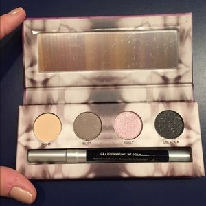 Urban Decay Other - Urban Decay Palette Limited Edition