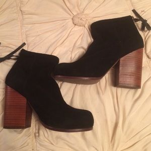 Jeffrey Campbell black suede booties❤