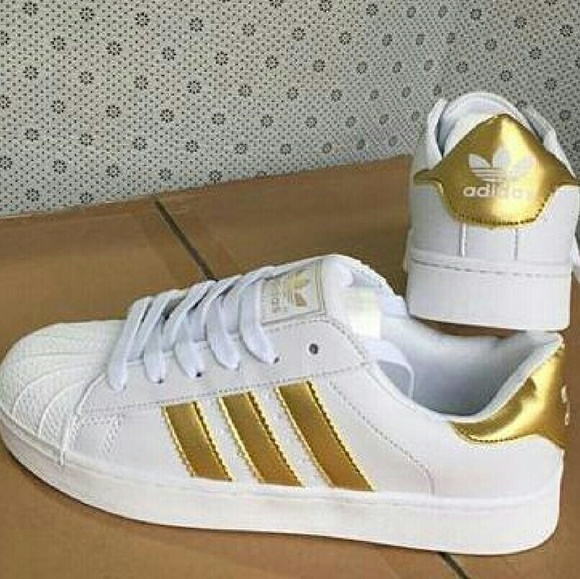 Adidas Superstar - Gold Stripe - Rare - Size: 6.5
