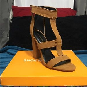 Shoe Republic LA heels