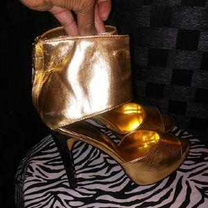 Dereon Shoes - Dereon Gold Heels