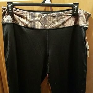 Mossy oak camo work out yoga pants