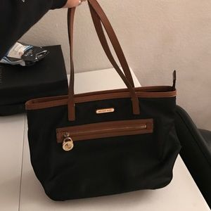 Michael Kors Handbags - Sale!Authentic Michael kors bag