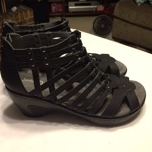 Jambu Shoes - Jambu Sandals are great quality for sure!🌟