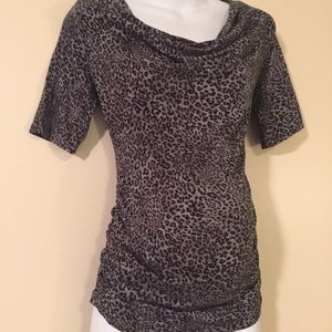 Maternity top size medium by motherhood maternity