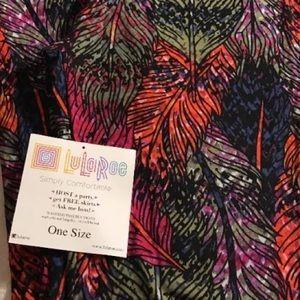 LuLaRoe Pants - Lularoe 🦄 print Beautiful colored feathers