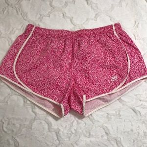Nike Ladies Time Out Tempo Shorts pink nwot