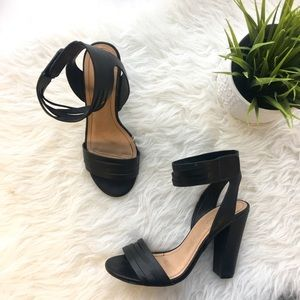 Bamboo Shoes - Black Senza-06 Ankle Strap Sandals