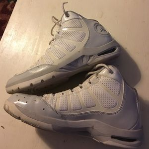 Jordan Other - JORDANS sz 11 white and light gray. Almost no wear