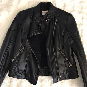 Forever 21 Jackets & Blazers - ✨NWT Forever 21 Faux Shearling Leather Moto Jacket