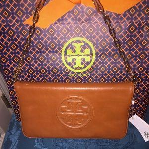 Tory Burch Handbags - Tory Burch Bombe Reva Clutch