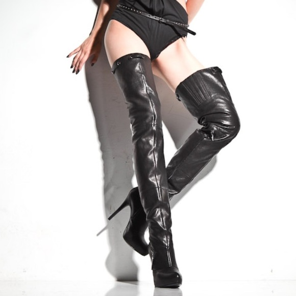 "e1175770284 Report Signature ""Kane"" Leather Thigh High Boots"