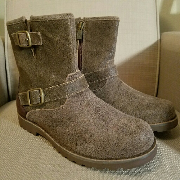 0407d8d9f40 HARWELL BOMBER UGG BOOT 5 k , 7 woman NWT