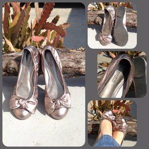 Nordstrom Preview metallic silver bow ballet flats