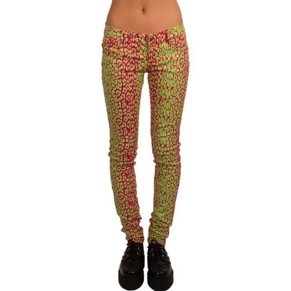ff30fcfcf58f NWOT Tripp NYC Leopard Pants. M_5870fb3cea3f369b7a07a547