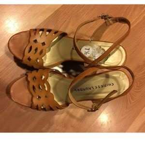 Chinese laundry wedges size 7.5
