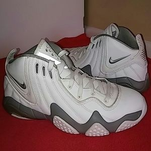 Nike Other - Nike Zoom Air..Size 8 MEN..and 9.5 or 10 WOMEN