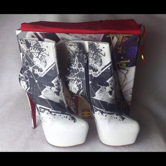c5ecbbab76bd Christian Louboutin Shoes - Daf Booty Tag 20ans 160 Graffiti Boots Euro 38