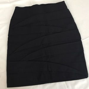 Forever 21 Fitted Stretch Black Skirt