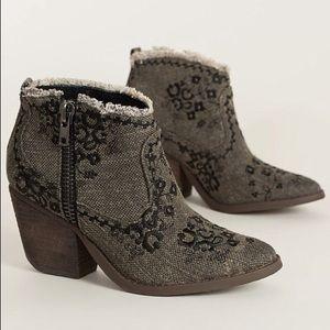 naughty monkey Shoes - Sale💃🏼Naughty monkey boots