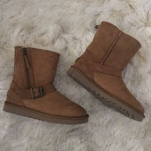 UGG Shoes - New UGG Australia short zip fur shearling boots 7