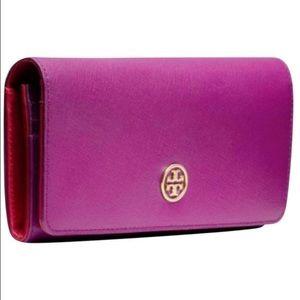 Tory Burch Handbags - Tory Burch Robinson Envelope Continental Wallet
