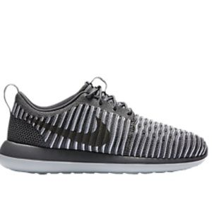 Nike Shoes - Nike Roshe Two Flyknit Shoes