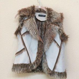 Dorothy Perkins Jackets & Blazers - Dorothy Perkins Furry Vest!