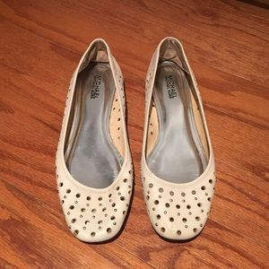 Michael Kors Flats in an Off White color, Sz 9.5.