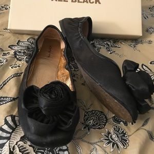 Anthropologie Shoes - Anthropologie black flats
