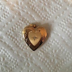 Jewelry - Heart locker pendant, 14k, bezel center. Brand New