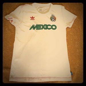 Medium Mexico Adidas soccer futbol tee 2010 RARE