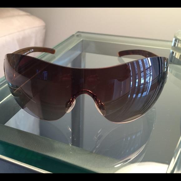 50f5cf9d023 CHANEL Accessories - CHANEL Authentic Brown Sunglasses