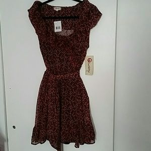 Olsenboye Dresses & Skirts - Belted  Foral Dress  with Slip
