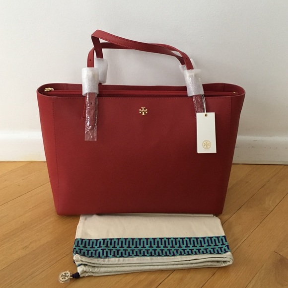 a7d302a703b3   SALE  NWT Tory Burch Authentic York Buckle Tote