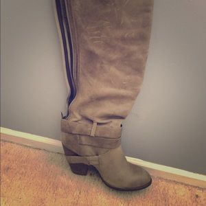 Fergie Varsity boots