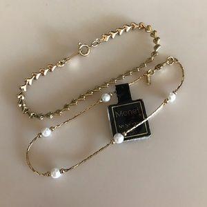 Heart & Pearl Short Gold Costume Bracelets