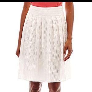 Liz Claiborne Dresses & Skirts - Liz Claiborne white eyelet skirt