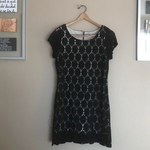 Xhilaration Dresses & Skirts - Black and white lace cap sleeve dress
