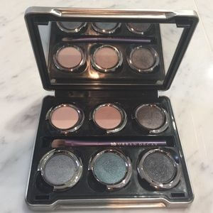Urban Decay 6 Shade Eyeshadow Palette & Brush