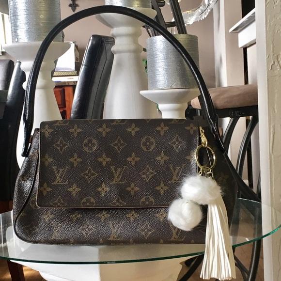 0c01e1d6035b Louis Vuitton Handbags - Authentic Louis Vuitton mini looping monogram