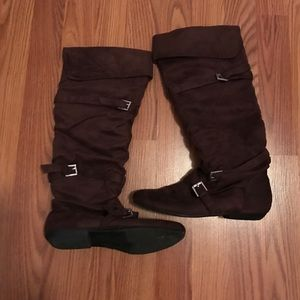 Soda Shoes - Brown suede boots
