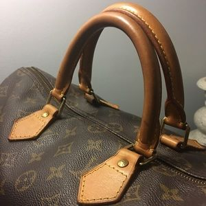 Louis Vuitton Handbags - AUTHENTIC Louis Vuitton speedy 35