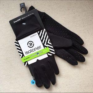 Accessories - Isotoner Active Gloves☃️NWT