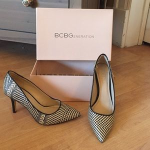 BCBGeneration Black and White Weave heels