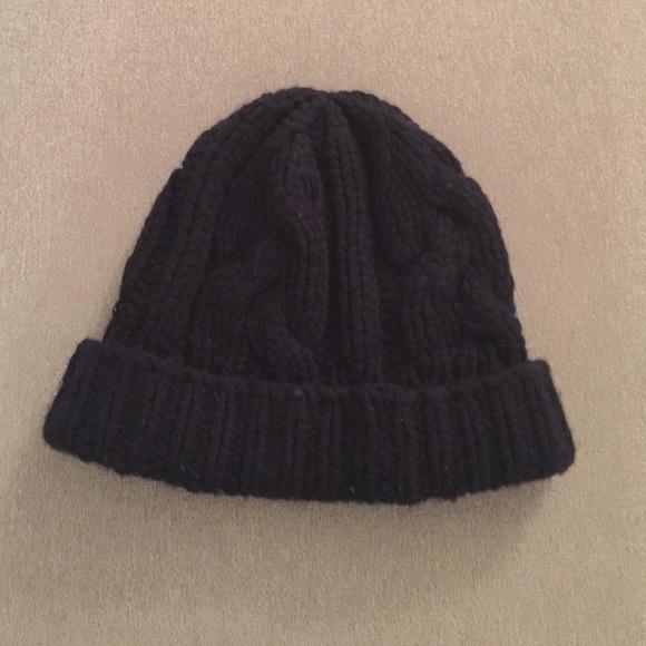 9e6b4a04332 Club Monaco Other - Club Monaco 100% men s cashmere skull cap in navy