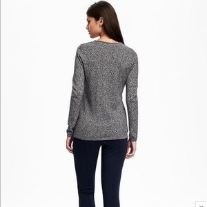 f62a1bc7161 Old Navy Sweaters - Old Navy women s Classic Marled V-Neck sweater NEW