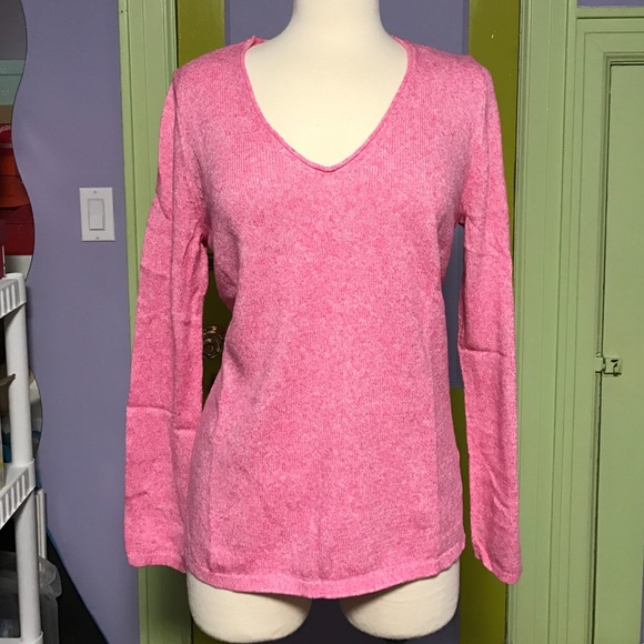 3ecbecbf9fc Old Navy women s Classic Marled V-Neck sweater L