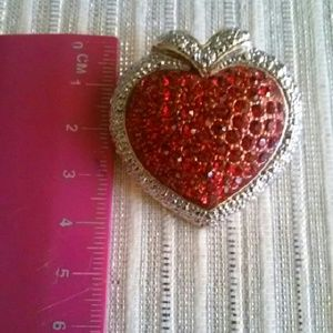 Jewelry - Darling heart pendant & broch.